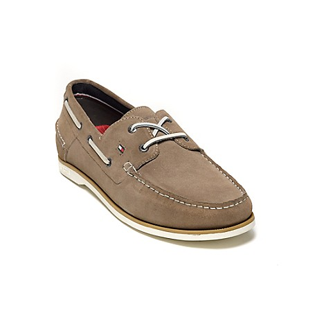 Tommy Hilfiger Suede Deck Shoes - Midnight Tommy Hilfiger Men's Shoe. What We Do Best, The Timeless Deck Shoe In Supple Suede. Classic, Comfortable And Completely All-American.· Boat Shoe Silhouette In Suede. · .75'' Heel.· Rubber Sole, Padded Insole.· Imported.