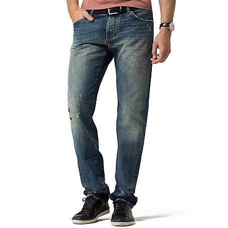Tommy Hilfiger Vintage Wash Denton Jeans - Portofino Indigo Tommy Hilfiger Men's Jean. Our Best-Selling Jeans Put Through The Ringer (Literally) To Achieve That Coveted Vintage Look And Feel. • Straight Fit, Lower Rise, Straight Leg.• 100% Cotton.• Trouser Styling.• Machine Washable.• Imported.
