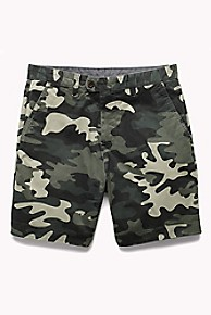 타미 힐피거 Tommy Hilfiger Reversible Camo Chambray Short,DEEP LICHEN GREEN