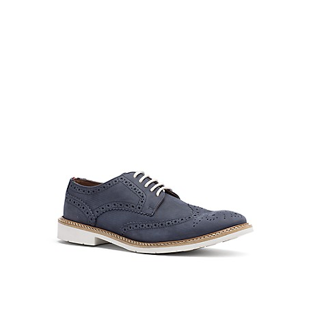 Tommy Hilfiger Suede Oxford Shoes - Midnight - 41 Tommy Hilfiger Men's Shoe. Walk The Line Between Sophistication And Sport, Our Newfangled Oxford Is The Ideal Hybrid In Suede With A Sneaker Sole And Contrast Laces. This Is The Pair That Works With Everything.  Oxford Silhouette In Suede.  Cushioned Insole, Textured Rubber Outsole. .75'' Heel. Imported.