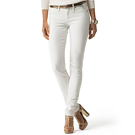 Tommy Hilfiger Classic White Skinny Jeans - Luce Tommy Hilfiger Women's Denim. No Longer Reserved For The Summer Months, Our Classic White Jean Boasts A Svelte Silhouette And Extra Stretch To Fit And Flatter.   • Sits Lower On The Waist, Fitted Through The Hip And Thigh.• 84% Cotton, 14% Elastomultiester, 2% Elastane.• 5-Pocket Styling. • Machine Washable. • Imported