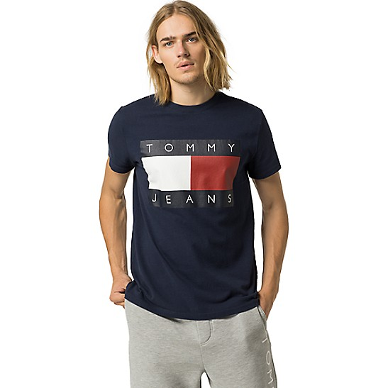 running shoes skate shoes popular brand Tommy Jeans Classic Flag Tee