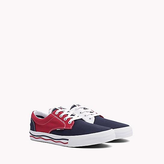 a54166c523ff58 Icon Sneaker