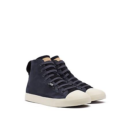 8926a743c2880 High Top Sneaker