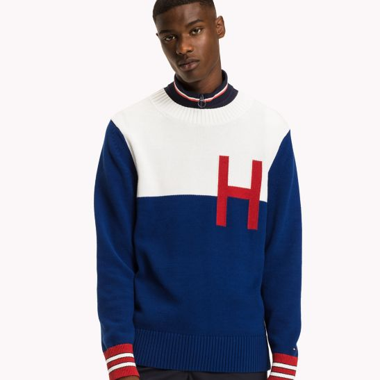 Tommy Hilfiger Logo Essentials Long Sleeve Tee