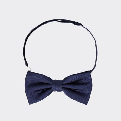 Men\\\'s Solid Silk Bow Tie, Sky Captain, - Tommy Hilfiger men\\\'s bowtie. Indispensable for any dapper gent-our solid bow tie, hand-finished in silk.