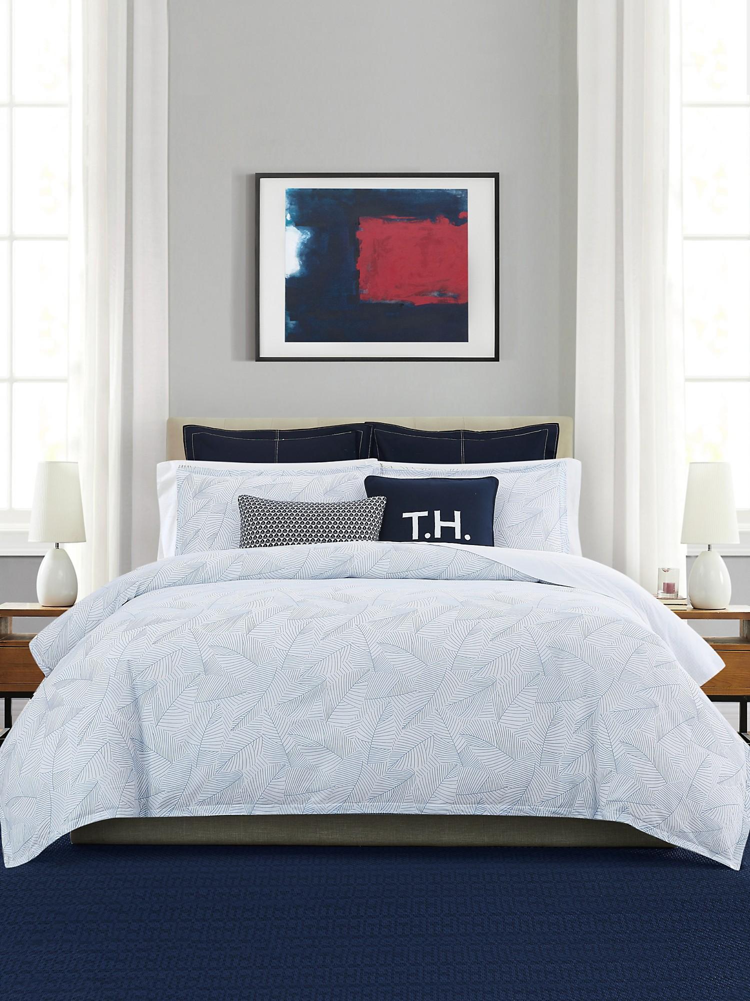 TOMMY HILFIGER Leaf Print Comforter Set