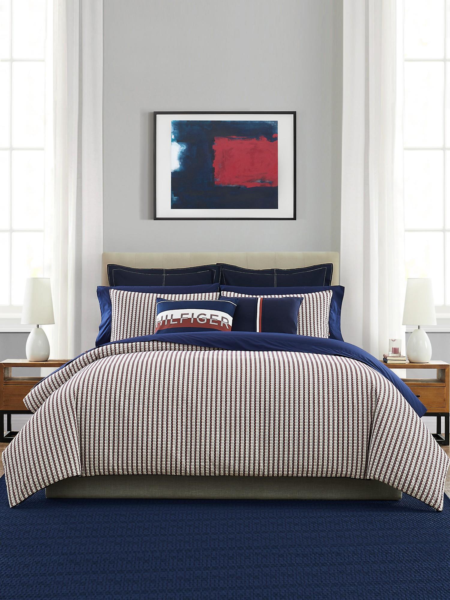 TOMMY HILFIGER Flag Comforter Set