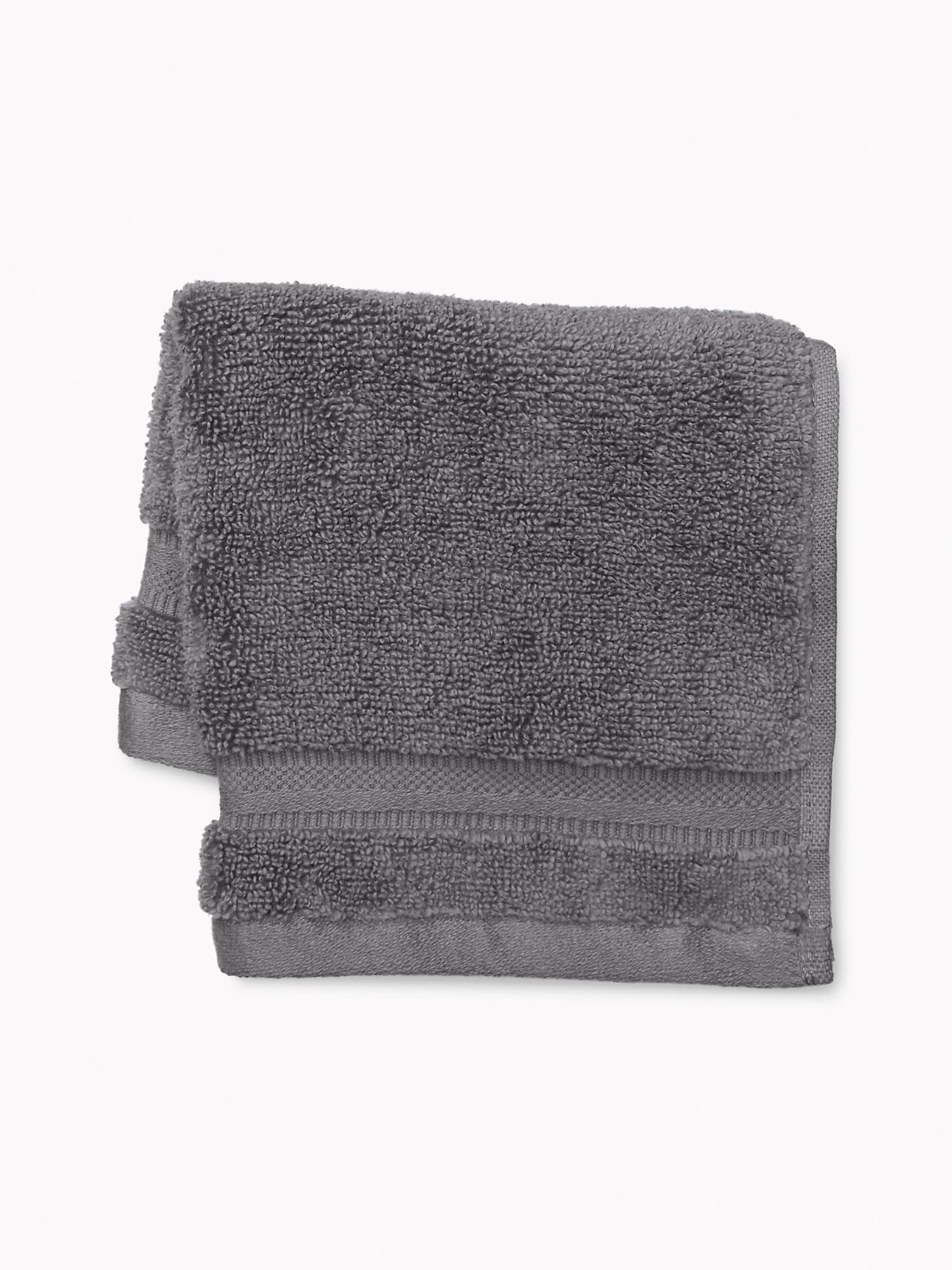 TOMMY HILFIGER Signature Solid Washcloth in Dark Gray